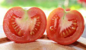 Rideau Sweet Tomate halbiert