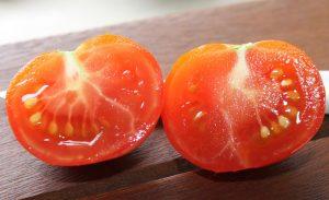 Belle liberté Tomate halbiert
