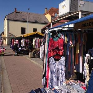 Klamotten auf dem Markt