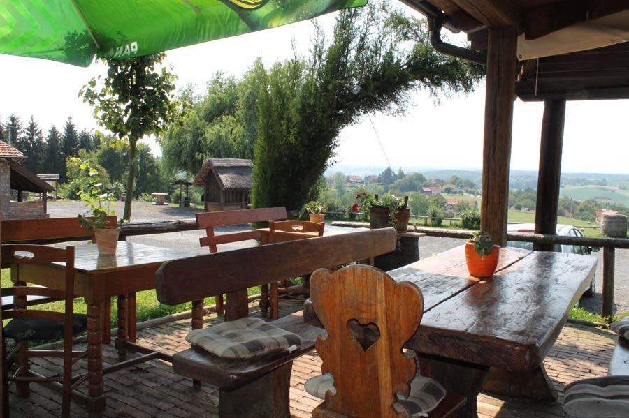 Ausflugslokal in der Nähe unserer Behausung im Bereich Bjelovar.
