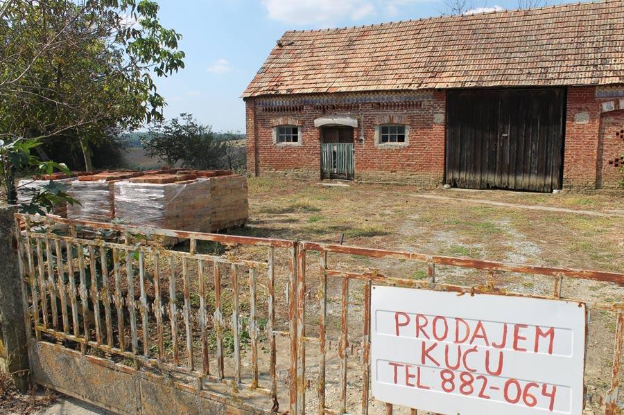 Bauernhof zu verkaufen - Prodajem Ku´cu Tel: 0038-882-...