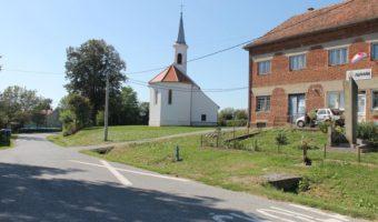 Dorfplatz in Tomas