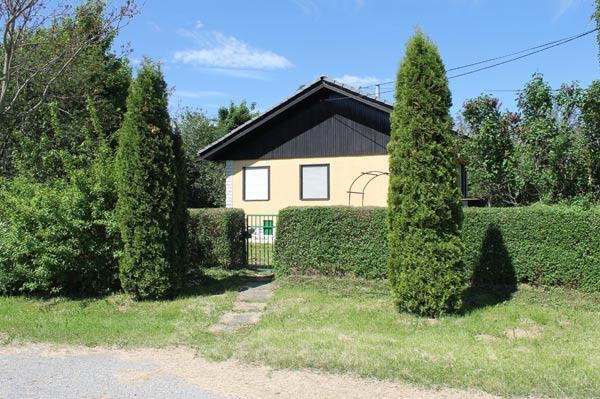 Schönes Fertighaus auf großem Grundstück zum Freundschaftspreis von 20.000 Euro wurde im Jahr 2021 in der Provinz von Bjelovar verkauft